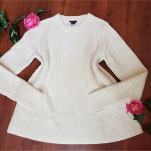 THEROY CABLE KNIT CREAM COLOR SWEATER LARGE